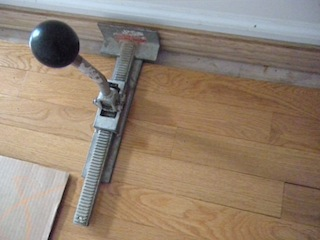 Hardwood floor installation a fast and efficient way to for Wood floor installation tools
