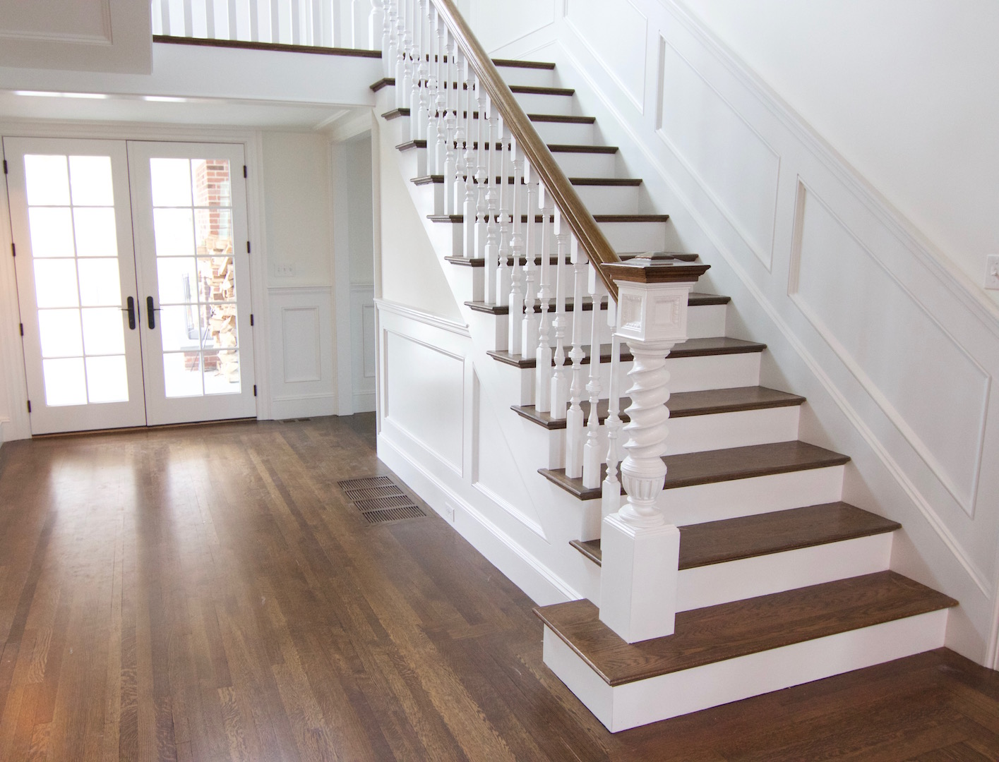 Antique Brown Staircase White Oak Hardwood Stairs With ...